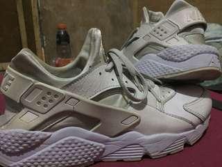 Nike Huarache Size 12 White