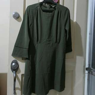H&M Moss green long sleeve dress