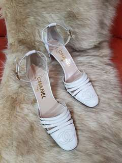 Authentic Chanel CC Logo White Leather Chunky Heel Slingback Pumps Size 36 1/2 also fits size 37