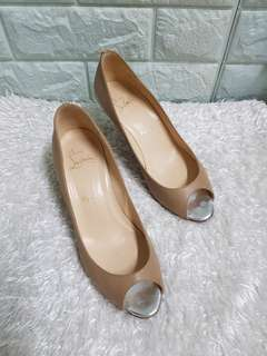 Authentic Christian Louboutin Nude Leather Peep Toe Silver Metal Kitten Heel Pumps Size 36.5