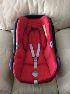 Maxi Cosi Carseat Red