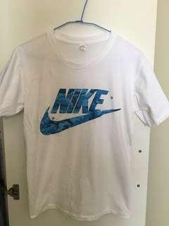 🚚 耐吉 Nike 女生短袖T 運動時尚 潮流經典 水藍色 清新時尚