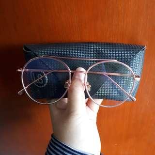 Kacamata vintage pink