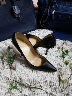 Authentic Christian Louboutin Black Spikes Leather Pumps Size 36 1/2