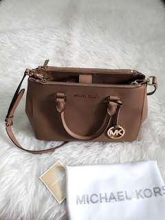 Michael Kors Sutton Authentic Medium Size