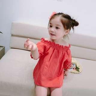 🚚 春夏新款 韓版 女童甜美縷空鬆緊一字領上衣