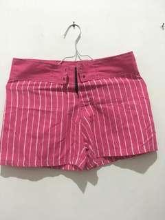 Celana pendek stripes pink