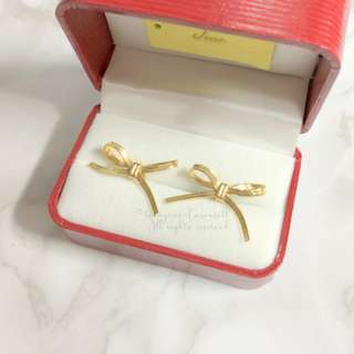 MADE IN KOREA Pretty Gold Ribbon Bow Earrings