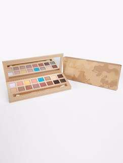 AUTHENTIC Kylie Take Me On Vacation Eyeshadow Palette