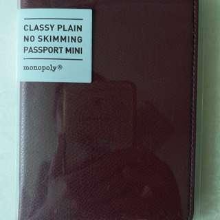 Classy Plain No Skimming Passport Mini