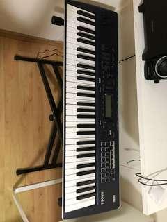 Korg Kross 2 61 keys w/ accessories