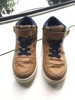 Sepatu Toozone