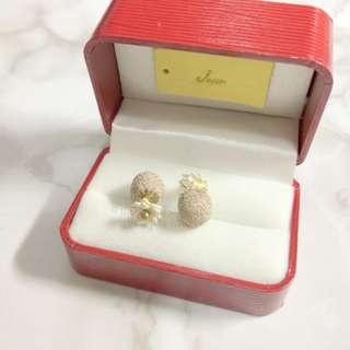 MADE IN KOREA Pretty Beige White Pink Earrings 花花前後托耳環