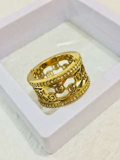 Micheal Kors logo ring (gold colour)