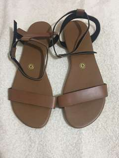 👠ON HAND LILIW SANDALS - SIZE 9 (26CM)