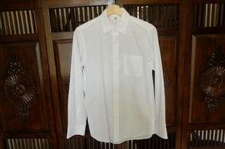 Uniqlo shirt putih polos (like new)