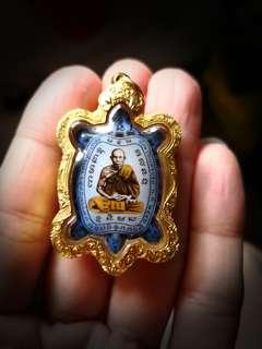 Locket phaya Tao Roon Samlit Jit BE2542 Lp liew Wat Raitang Thong Encased in 90% gold casing