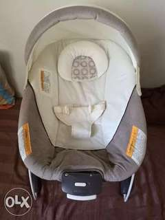 Graco Snuggle Suite LX Baby Bouncer Abbington