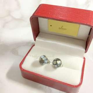 MADE IN KOREA Pretty Simple Grey Earrings 耳環
