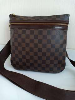 Preloved Authentic LV Sling DE