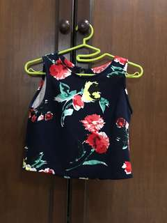 floral / flower navy blue crop top