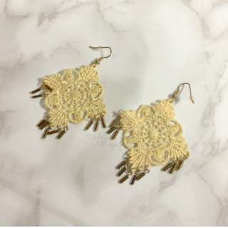 HANDMADE IN KOREA Very Pretty Crochet Earrings 刺繡鉤花大耳環