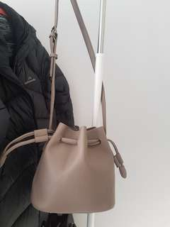 [NEW] Grey/Camel Bucket Bag