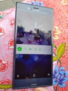 SONY Xperia XZ working condition with crack on screen