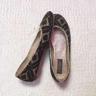black gold flatshoes