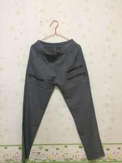 Celana abu