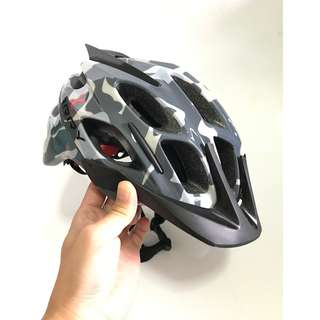 💯🆕KARRY Outdoor Bike Bicycle Riding Helmet with integrated safety warning light for cyclists/scooter users (Cement Grey)