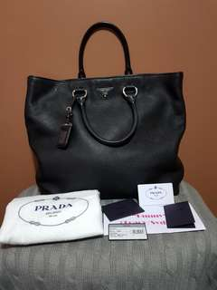 Authentic Prada Vitello Daino Shopping Leather Tote Bag in Nero