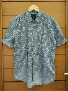 GUESS ORI Kemeja Biru Gradasi / Blue Shirt