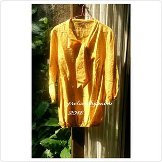 Blus kuning cantik