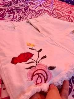 Denim skirt (embroidered flower)