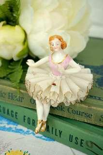 古董坐姿芭蕾舞伶瓷偶