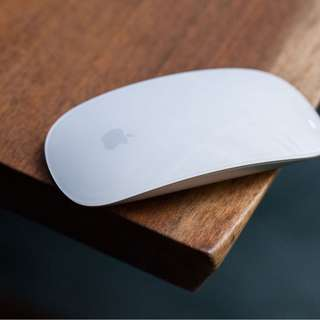 Apple Magic Mouse - Battery inserts