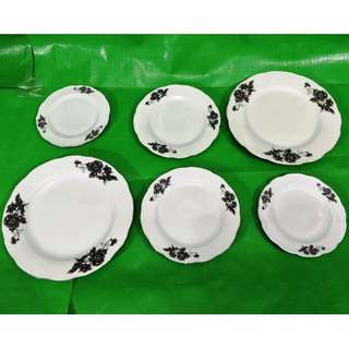 Black chrysanthemum Silver plated plate 6 pieces, Old new stock in mint condition. 黑菊花花边包银盘6个, 旧库存品相完美。
