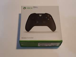 WIRELESS XBOX CONTROLLER 9/10