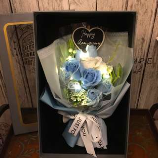 Long lasting scented roses Bouquet in gift box ( chalkboard and led lighting included)