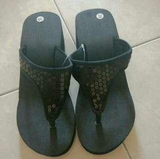 Blinky Sandal