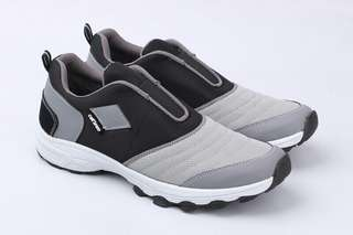 Sepatu Olahraga Cowo