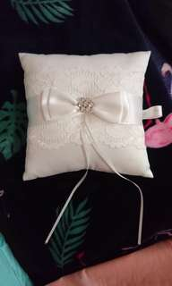 Wedding whitel lace satin ring pillow (Lee Hwa Jewellery)
