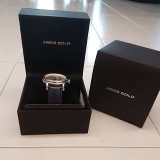 Aries Gold Navy Blue Watch (Automatic, no battery needed)