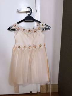 Beautiful dress ( flower girl dress)