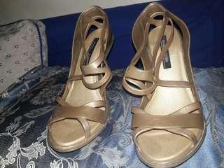 Melissa pump sandals