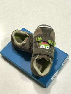 Stride Rite Frog Shoes