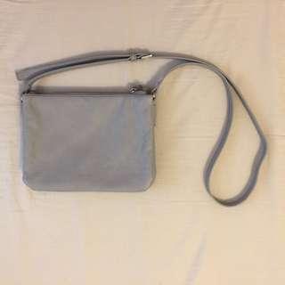 🚚 Esprit 灰色三層側背包