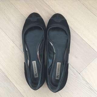 100% real Burberry 黑色平底鞋,購自英國Burberry 專門店, size 36