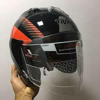 TRAX TR03ZR Graphic Black/ Red Helmet